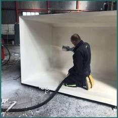 Poplastovanie kovovej nádrže na kyselinu